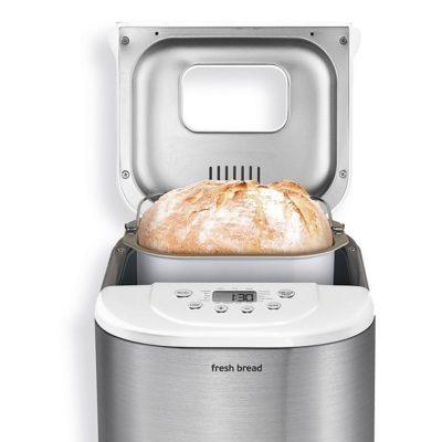 Izzy 004 fresh bread_kolomvouni